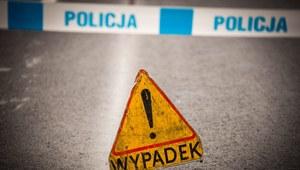 Łódź: Śmiertelny wypadek. Auto wjechało w torowisko