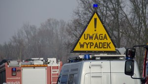 Łódzkie: Na A1 dachował bus z pasażerami