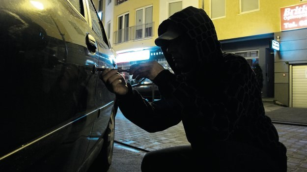 Lokalizowanie samochodu /Motor