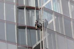 """Londyńczycy zachwyceni wspinaczką aktywistek Greenpeace.""""Są bardzo odważne"""""""