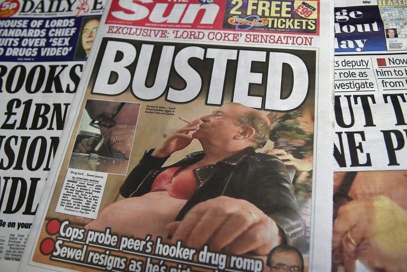 """Lord John Sewel na pierwszej stronie gazety """"The Sun"""" /ANDY RAIN /PAP/EPA"""