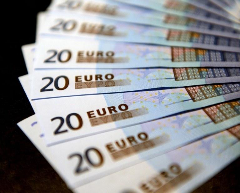 Łotwa wprowadza euro wbrew swoim obywatelom /AFP