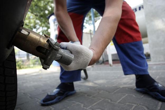 LPG trzeba będzie nalać samemu / Fot: Bartosz Krupa /East News
