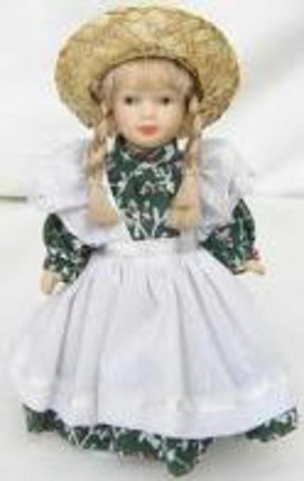 Lucia z zabawkami