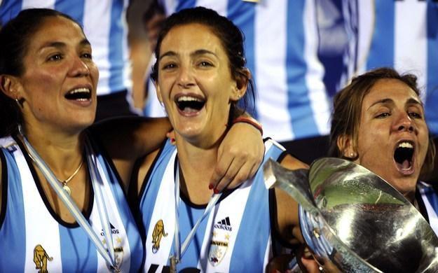 Luciana Paula Aymar (w środku) /AFP
