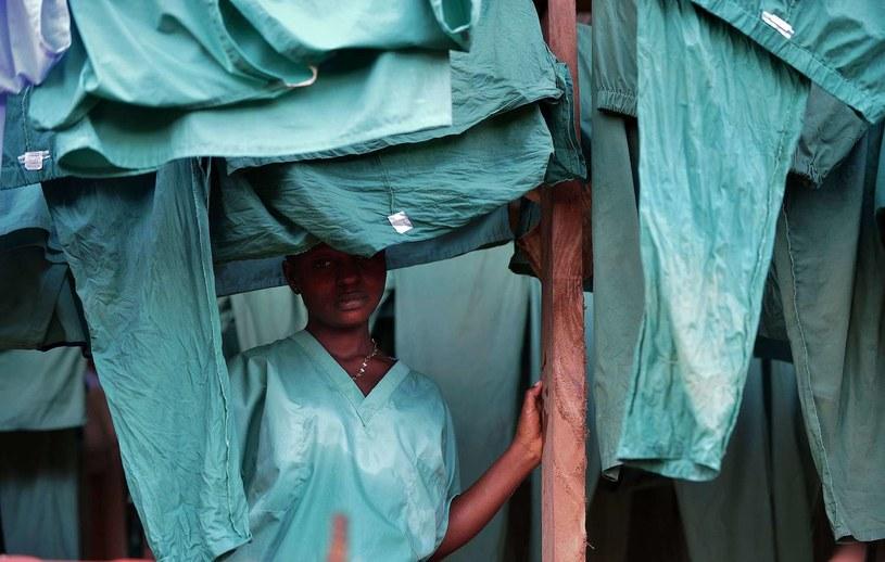 Ludzie nadal się boją, że Ebola może wymknąć się spod kontroli /AFP
