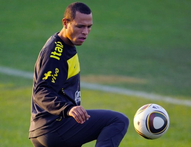 Luis Fabiano marzy o grze dla wielkiego klubu /AFP