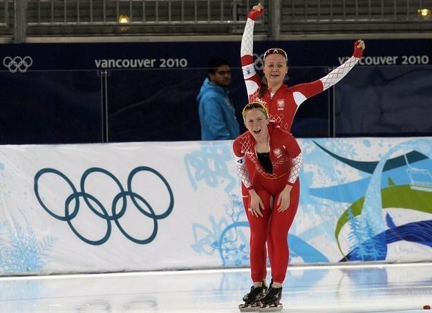 Luiza Złotkowska (na pierwszym planie) i Katarzyna Woźniak /AFP