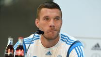 Lukas Podolski jako nielegalny imigrant? Fatalna pomyłka. Wideo