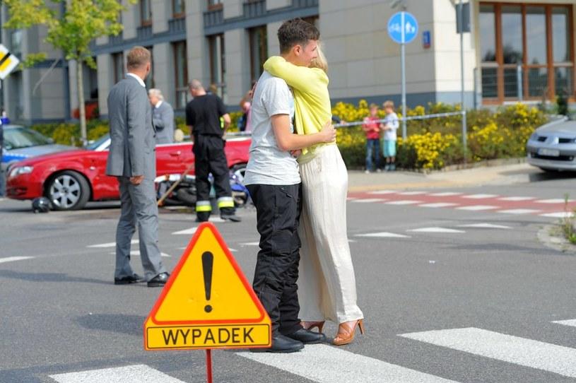 Łukasz będzie obwiniał się o to, że sam wyszedł z wypadku niemal bez szwanku. /Agencja W. Impact