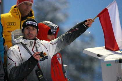 Łukasz Kruczek podczas konkursu PŚ w skokach narciarskich w fińskim Kuusamo /PAP/ EPA /RMF FM