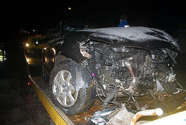 Luksusowe auto znacznie ucierpiało /Policja