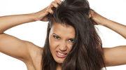 Łuski pod włosami?