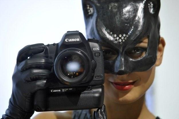 Lustrzanki Canon EOS są produkowane od 1987 roku /AFP