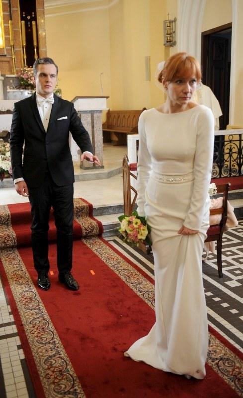 """""""M jak miłość"""": Agnieszka uciekła sprzed ołtarza /Agencja W. Impact"""