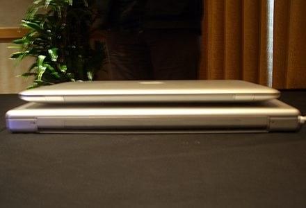 MacBook - jeden mały, drugi duży. /INTERIA.PL - Łukasz Kujawa