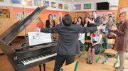 Maciek Lubicz za fortepianem!