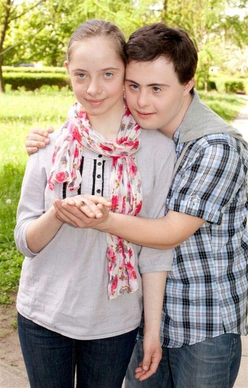 Maciek (Piotr Swend) i Martynka (Natalia Antoszczak) /Agencja W. Impact