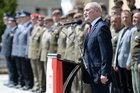 """Macierewicz: Zaczyna się od propagandy, kłamstwa. Potem przychodzą """"zielone ludziki"""""""