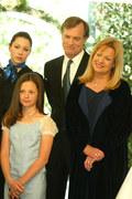 Mackenzie Rosman z serialową rodziną, 2003 rok