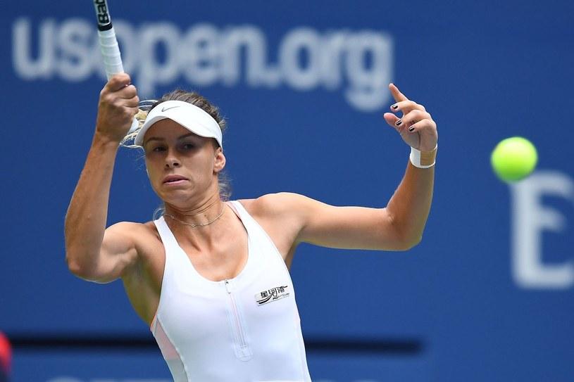 Magda Linette chce przełamać fatalną passę w pojedynkach z byłą liderką rankingu /AFP