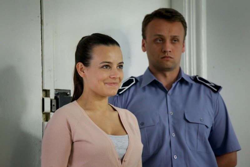 Magda odwiedza Pawła w areszcie. /Agencja W. Impact