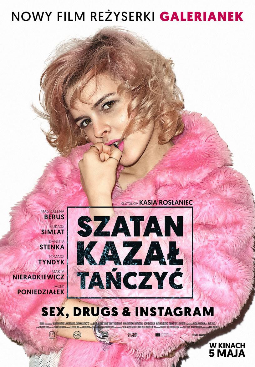 """Magdalena Berus na plakacie filmu """"Szatan kazał tańczyć"""" /Kino Świat /materiały dystrybutora"""