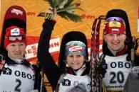 Magdalena Gwizdoń na podium biegu indywiudalnego na 15 km /AFP