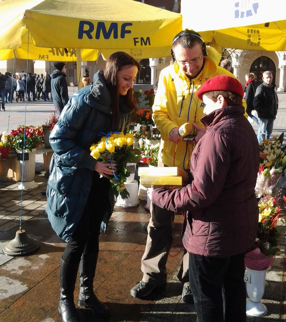 Magdalena Wojtoń, Maciej Grzyb i krakowska kwiaciarka /Piotr Jackowski /RMF FM