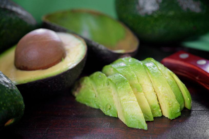 Magnez zawarty w tym maślanym owocu to antidotum na kłopoty z sercem i układem krążenia. /©123RF/PICSEL