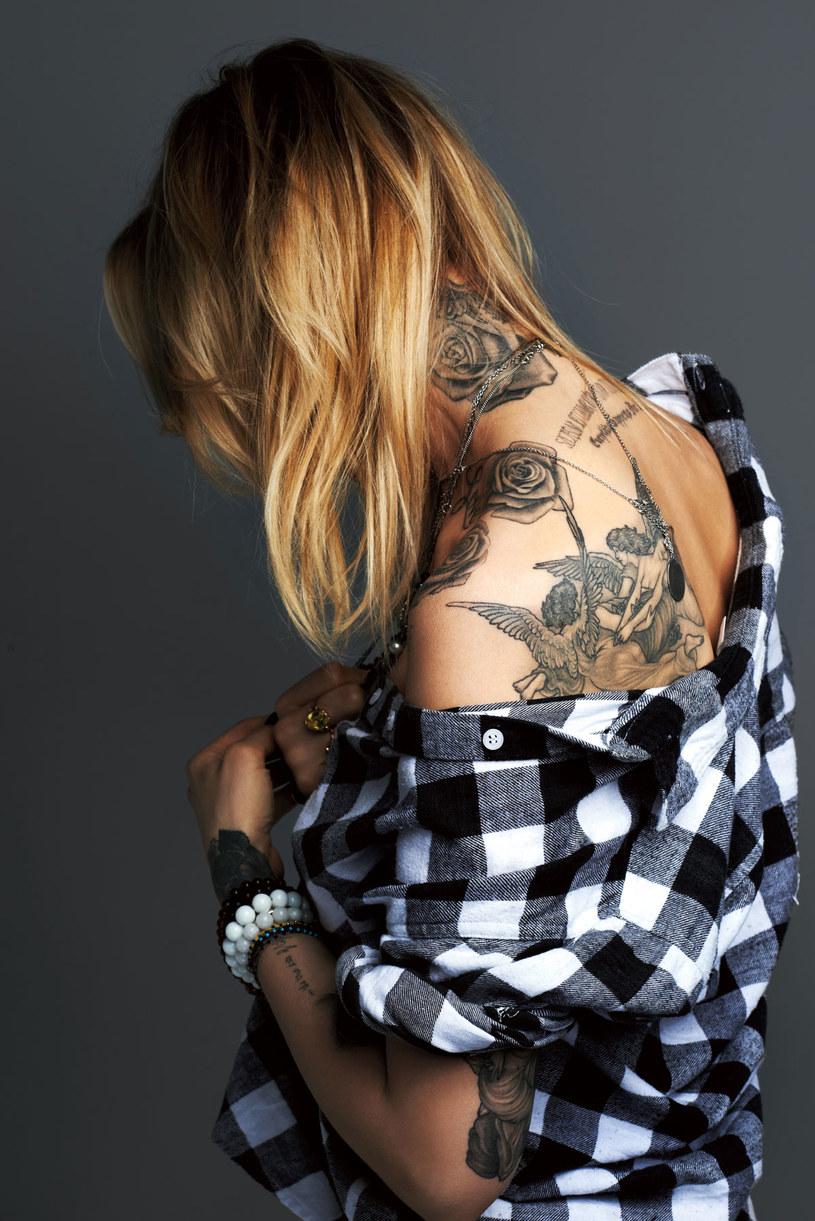 Maja Sablewska sama nie wie, ile ma tatuaży /Marcin Kempski/I like photo /Twój Styl