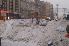 Majdan odbudowuje barykady. Ze śniegu i desek