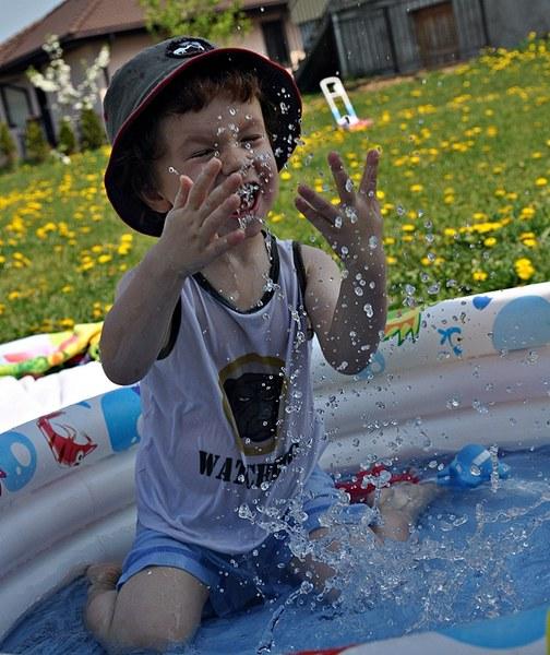 Radość zatopiona w kroplach wody!