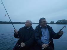Majówka Jarosława Kaczyńskiego. Sezon na szczupaki rozpoczęty
