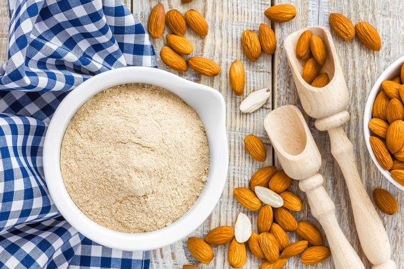 Mąka  z orzechów  to bogactwo witamin i idealne źródło białka /123RF/PICSEL