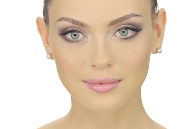 Makijaż ślubny dobrze wcześniej przemyśleć oraz przetestować kilka jego wersji /materiały prasowe