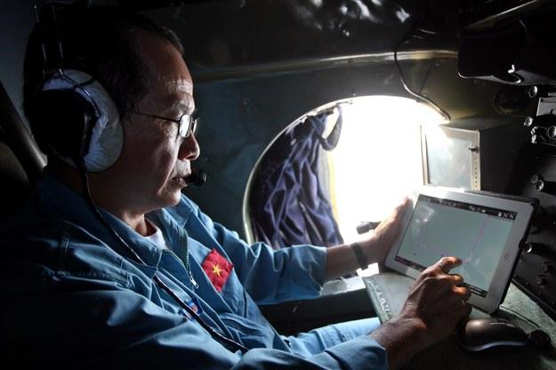 Malezyjska armia wyśledziła na radarze zaginiony samolot w Cieśninie Malakka. /LUONG THAI LINH /PAP/EPA