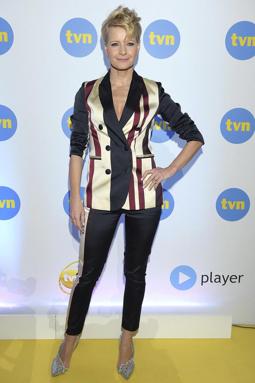 Małgorzata Kożuchowska zawsze ubiera się zgodnie z najnowszymi trendami. Kolorowe pasy będą hitem nadchodzącego sezonu! /Kurnikowski /AKPA