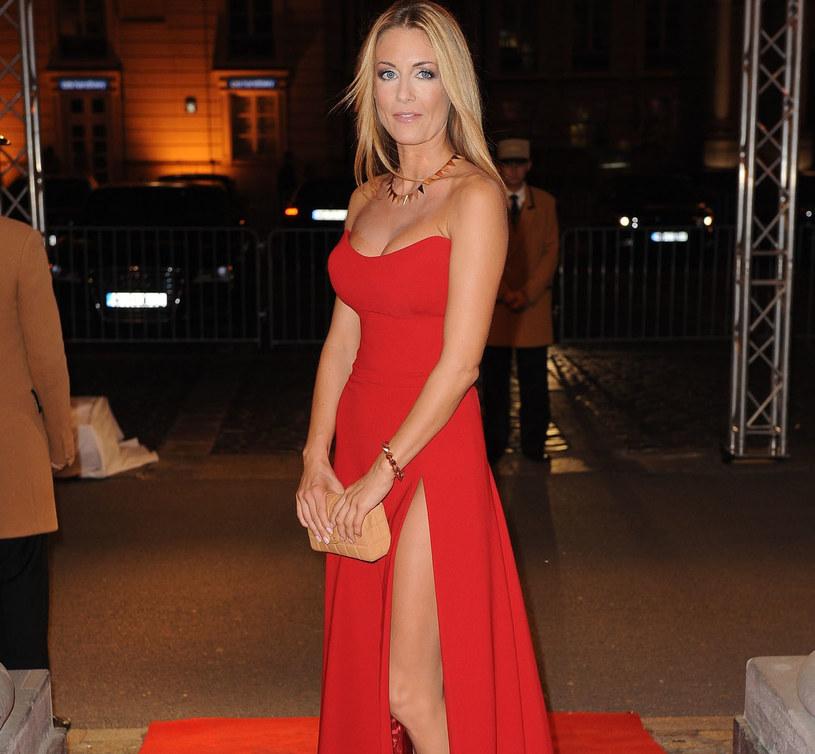 Małgorzata Rozenek zachwyca w sukniach w kolorze czerwieni /East News