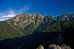 Malownicze krajobrazy i bujna przyroda przyciągają do Tatr