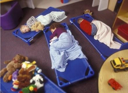 Maluchy będą przekonywały, że najlepiej, gdy przedszkole jest kolorowe i wesołe. /ThetaXstock