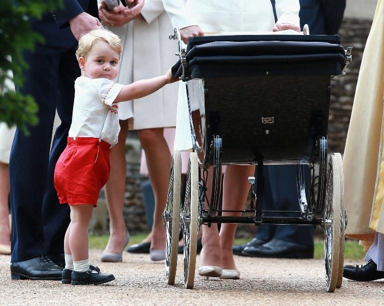 Mały książę na chrzcinach swojej siostry /AFP