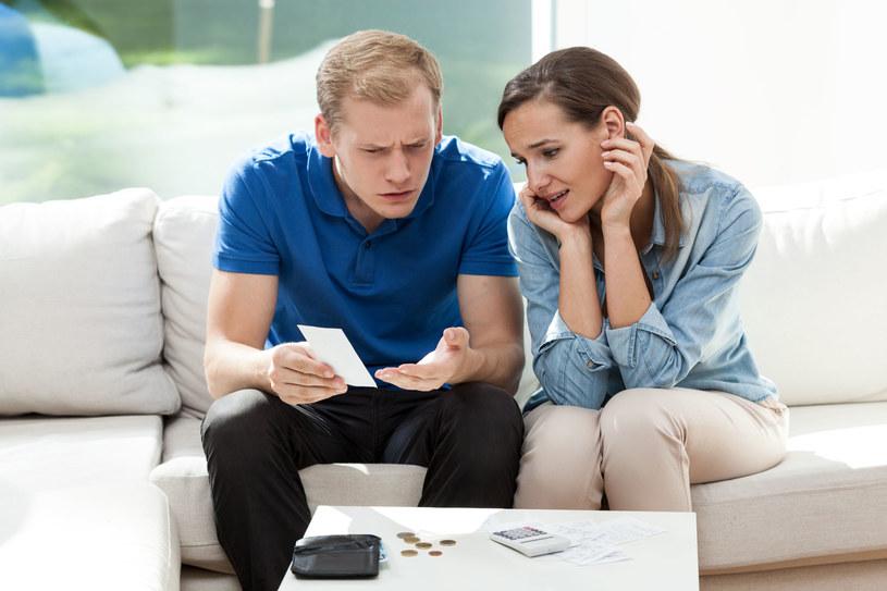 Małżeństwo bez intercyzy zaczyna przypominać porównywarkę cen /©123RF/PICSEL
