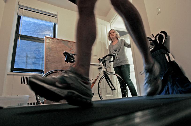 Małżonkowie mają wzajemny wpływ na swoje nawyki ćwiczeniowe /The New York Times