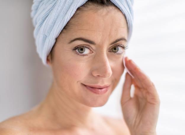 Mamy coraz więcej metod, któe pozwalaja nam odmłodzić skórę /©123RF/PICSEL