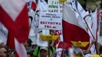 """Manifestacja KOD w Warszawie. """"Jedna Polska - dość podziałów"""""""
