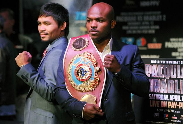 Manny Pacquiao i Timothy Bradley /AFP