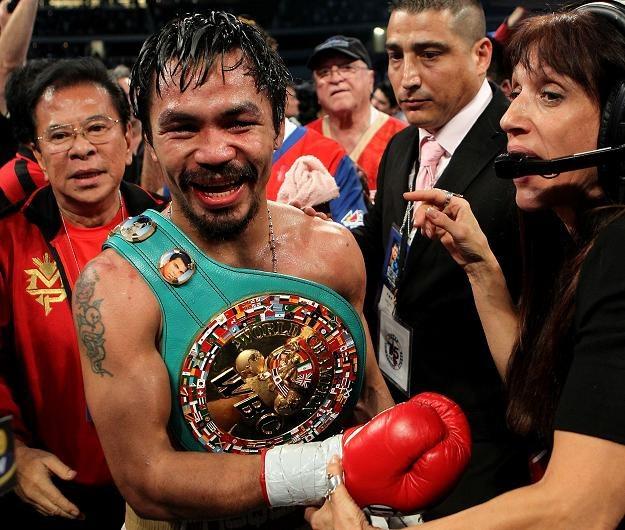 Manny Pacquiao z pasem po pokonaniu Margarito/fot. Nick Laham /Getty Images/Flash Press Media