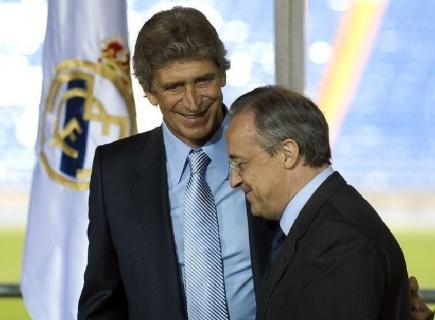 Manuel Pellegrini (z lewej) i  Florentino Perez, czyli rozwód w Realu Madryt. /AFP