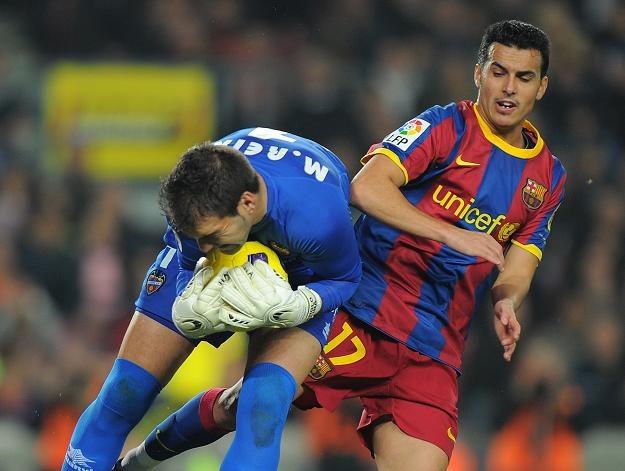 Manuel Reina i Pedro Rodriguez - bohater meczu Barcelony z Levante /AFP
